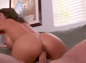 Big-chested cougar Alexis Fawx from..