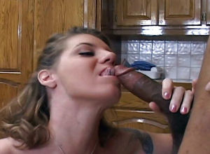 Meaty culo Mummy Kayla Quinn tonguing..
